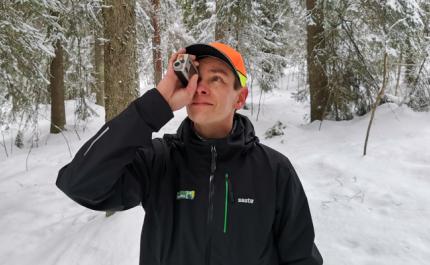 Skogsrådgivaren mäter, ger råd och granskar