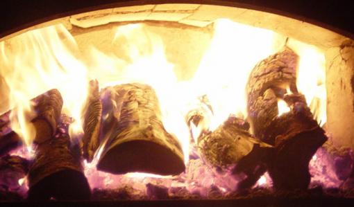Ved brinner i en ugn.