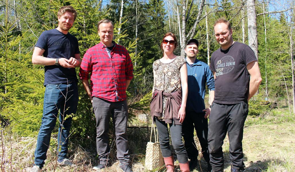 Sampsa Siekkinen från företaget Arctic Kombucha, Pekka Koivisto från Kaskein Marjast, Satu Ylöstalo, Arto Pulkkinen och Tapani Artell.