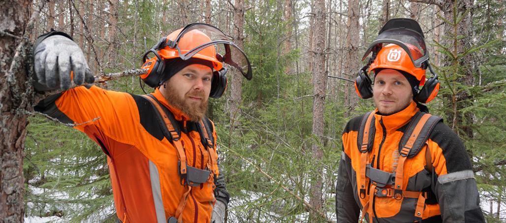Metsurit Pekka Niskanen ja Janne Iivanainen.